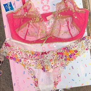 2pc Victoria's Secret Bra 36D/Thong Panties L*New